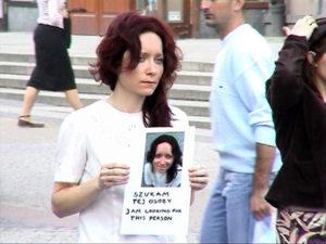"""""""szukam tej osoby"""", performance Angelika Fojtuch, 60 min., Mandala, Wrocław 2007, fot. Fojtuch"""
